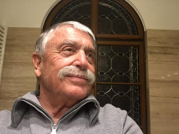 Klaus R. thau